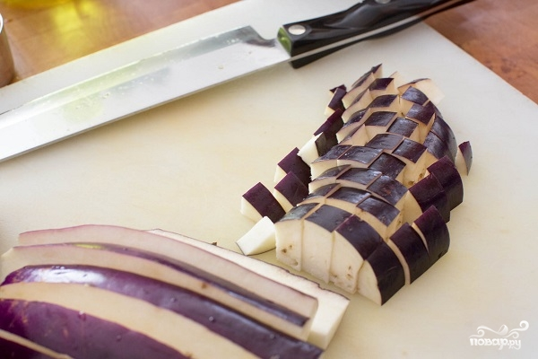 Салат из запеченных баклажанов - фото шаг 2