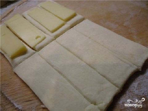 Слойки с сыром - фото шаг 1