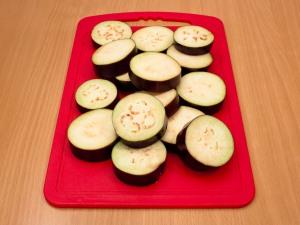 Рецепт Баклажаны, запеченные с помидорами с сыром