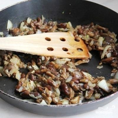 Киш с грибами и помидорами - фото шаг 2