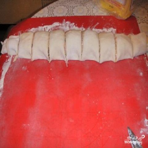 Мини пицца из слоеного теста - фото шаг 6