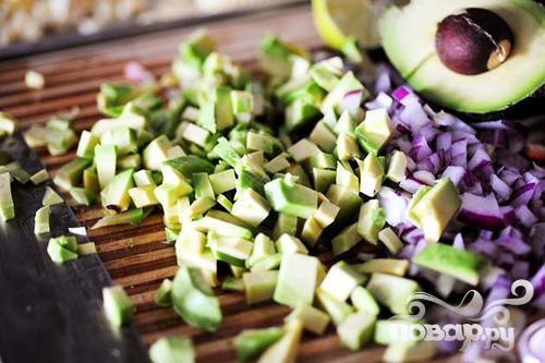 Сальса из свежей кукурузы и авокадо - фото шаг 3