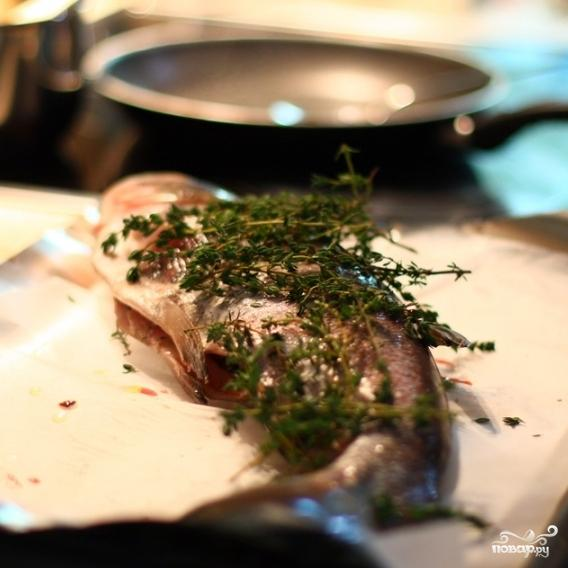 Рыба с тимьяном и луком - фото шаг 6