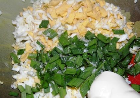 Лаваш с яйцом и зеленью - фото шаг 2