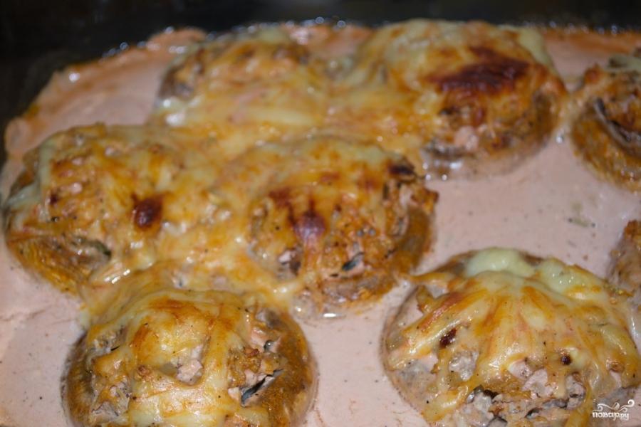 Запеченные грибы с фаршем в духовке - фото шаг 10