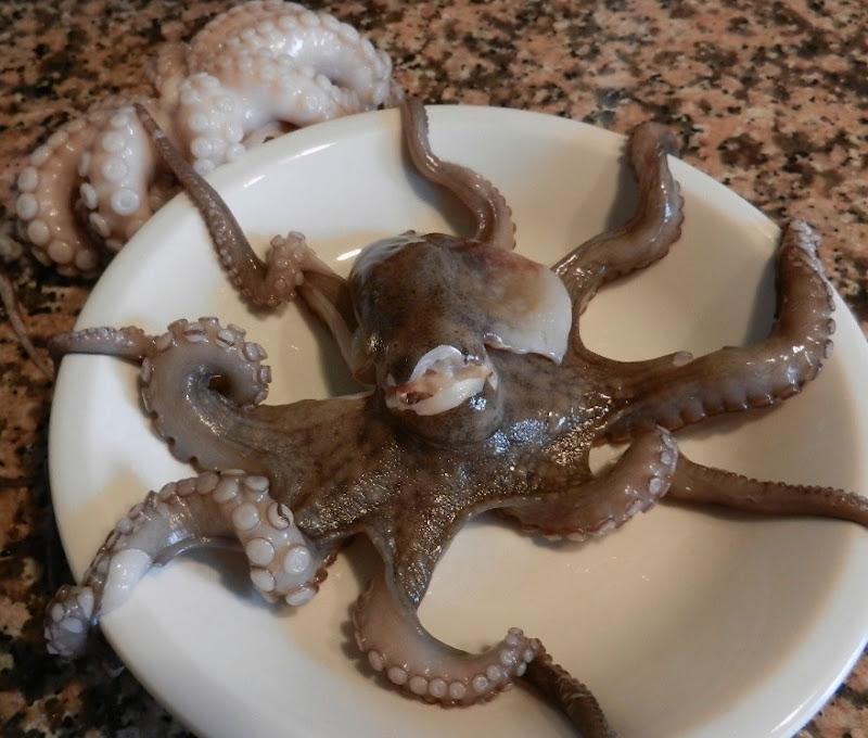 Салат из осьминогов - фото шаг 1