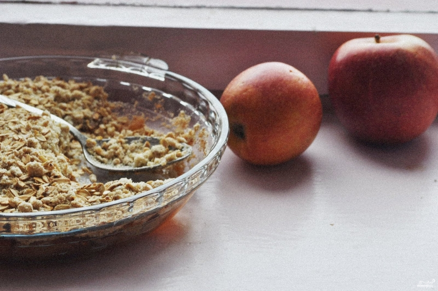 Яблочный крамбл с овсянкой - фото шаг 5