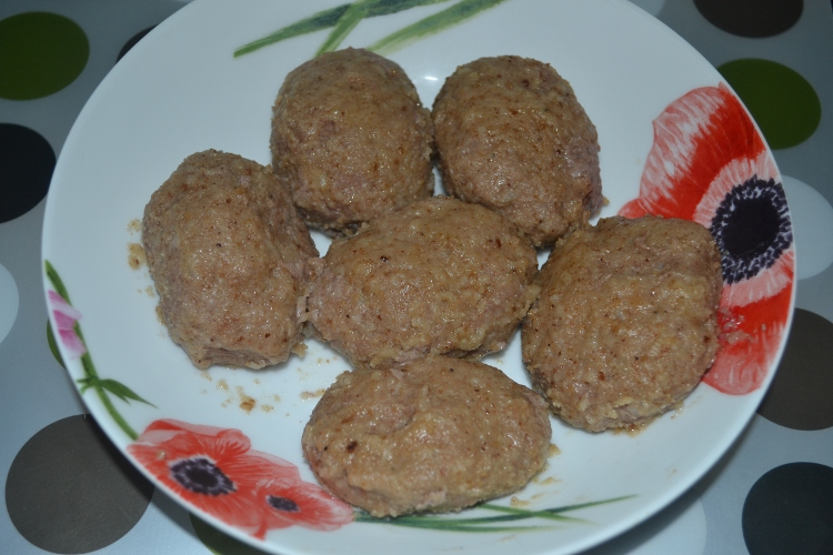 Рецепт с фото котлет из говядины в мультиварке