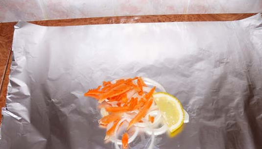 Рыба, запеченная в духовке кусочками - фото шаг 2
