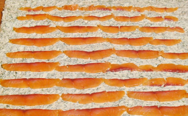 Лаваш с красной рыбой - фото шаг 4