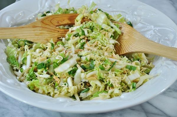 Простой салат из пекинской капусты - фото шаг 6