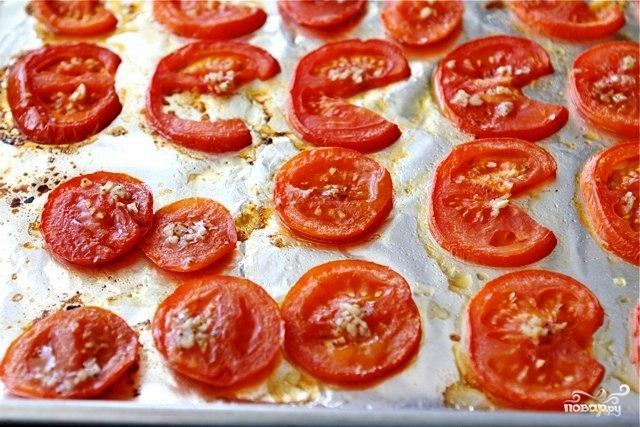 Открытый бутерброд с запеченными помидорами, сыром и бальзамическим уксусом - фото шаг 4