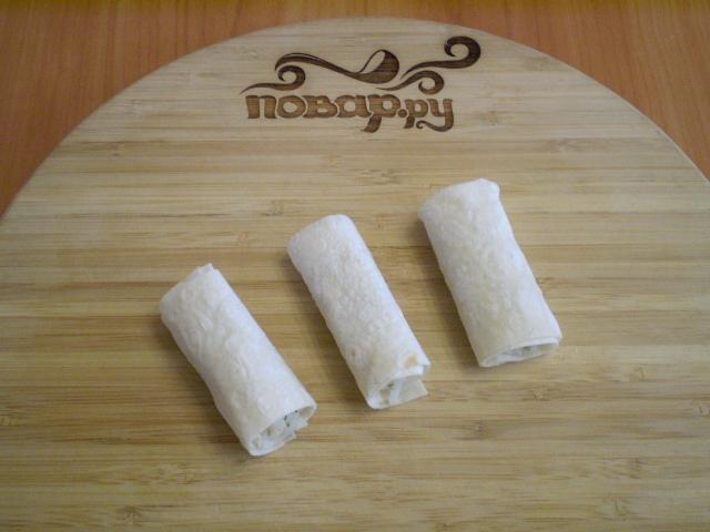 Трубочки из лаваша, запеченные в духовке - фото шаг 5