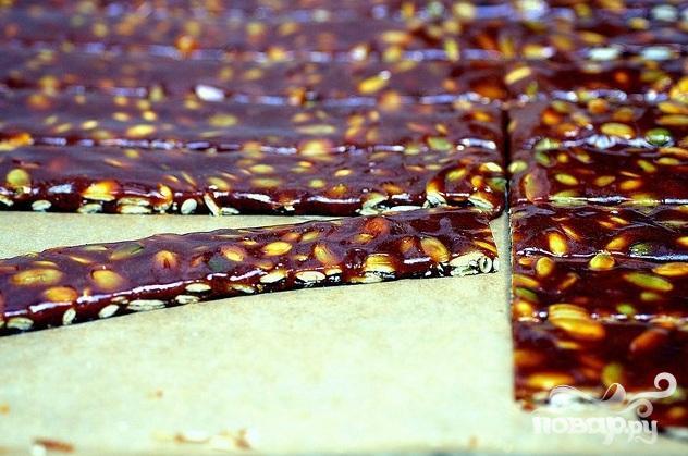 Козинаки с тыквенными семечками - фото шаг 5