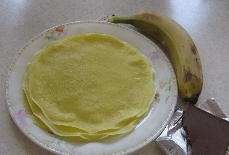 Рецепт Блинчики с шоколадом и бананом