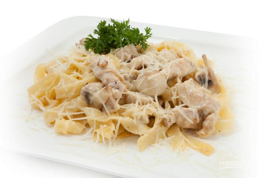 макароны с курицей и грибами в сливочном соусе рецепт с фото на сковороде