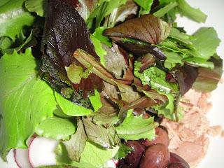Салат из тунца, помидоров и картофеля - фото шаг 4