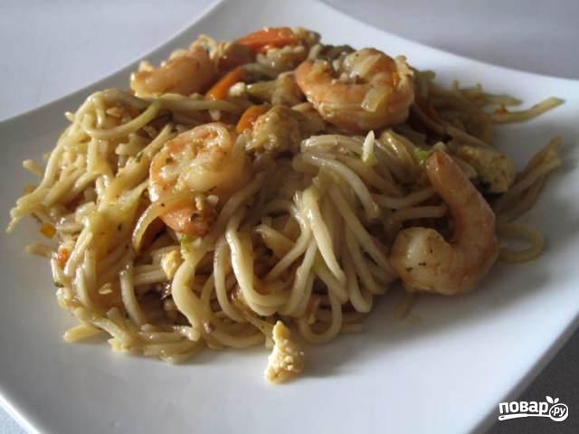 Китайская лапша с креветками