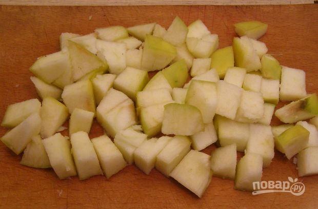 салат с курицей и ананасом и яблоком