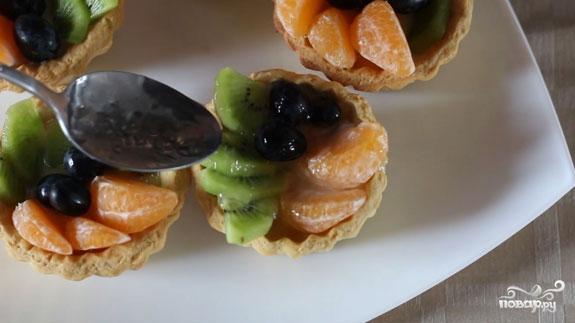 Корзиночки с фруктами и кремом - фото шаг 9