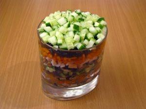 Салат с черносливом и грибами - фото шаг 4