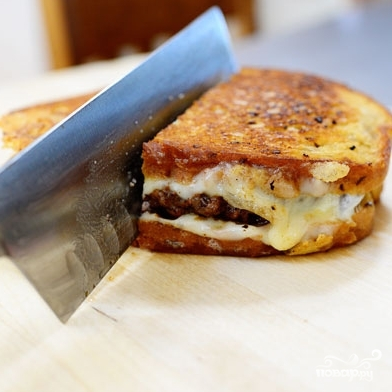 Горячий бутерброд с фаршем - фото шаг 12