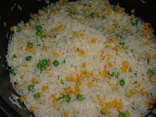 Рис с яйцом и овощами - фото шаг 4