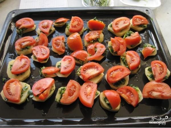 Картофель в духовке с помидорами - фото шаг 4