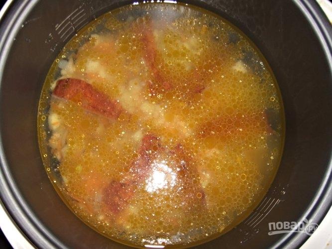 Гороховый суп на копченых ребрышках - фото шаг 5