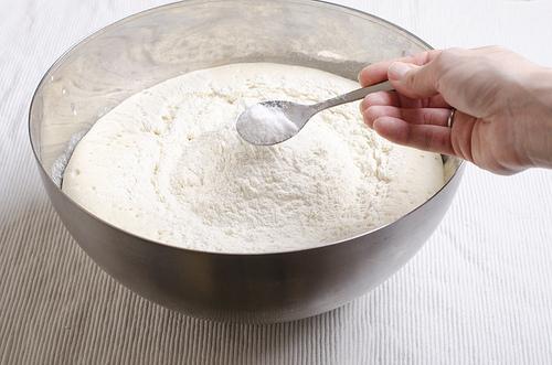 Пирожки на молоке жареные - фото шаг 7