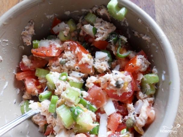 салат рыбный из консервов горбуши можно