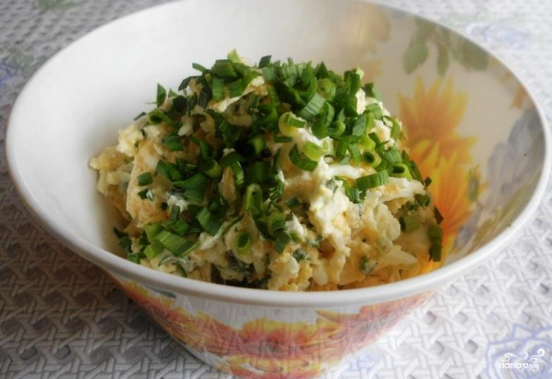 Сырный салат с чесноком - фото шаг 5
