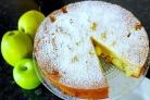 Пирог с яблоками простой