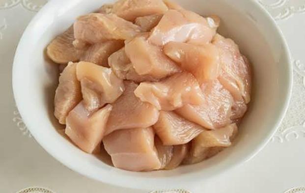 Куриная грудка под сметанным соусом - фото шаг 1