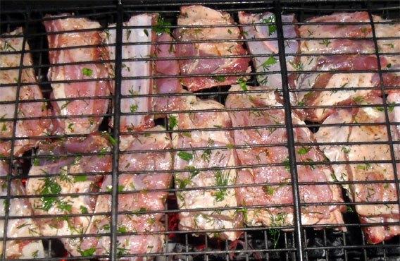 Ребрышки на решетке - фото шаг 3
