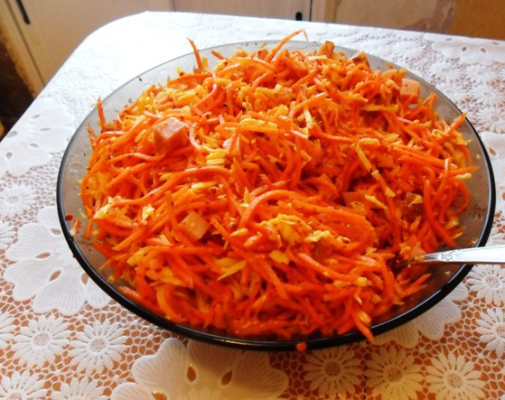 Рулетики из лаваша с морковкой - фото шаг 1