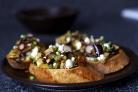 Тосты с салатом из баклажанов