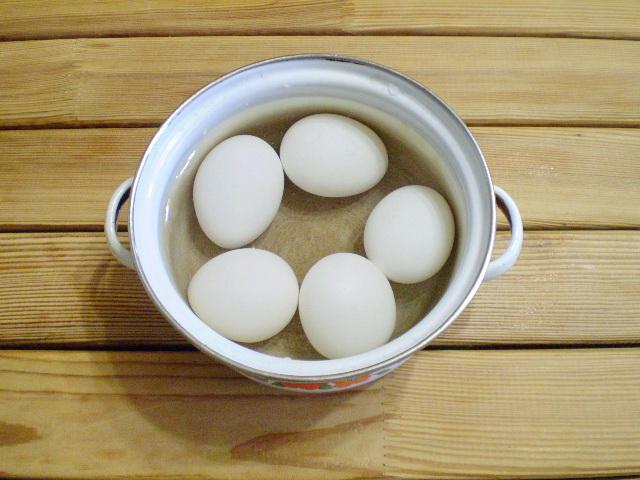 Пирожки с яйцом и зеленью - фото шаг 2
