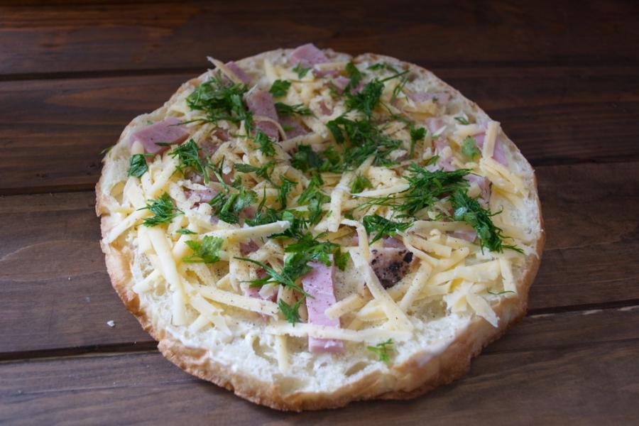 Толстый лаваш с сыром и бужениной - фото шаг 5