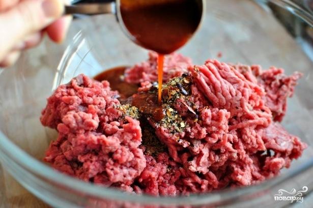 Котлеты для бургеров на сковороде - фото шаг 2