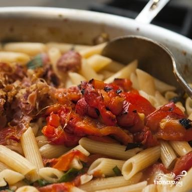 Паста с беконом и помидорами  - фото шаг 12