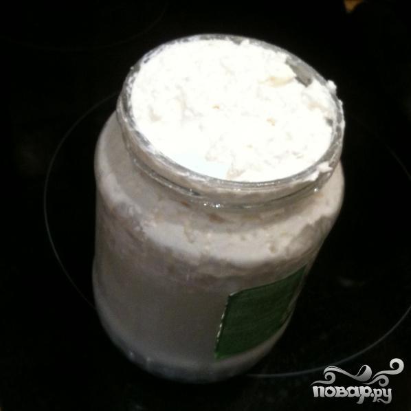 Оладушки на кислом молоке - фото шаг 1