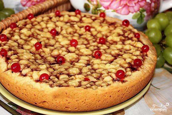 Пирог со смородиновым вареньем в мультиварке - фото шаг 4