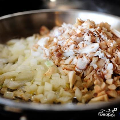 Запеченные грибы, фаршированные сыром и шпинатом - фото шаг 2