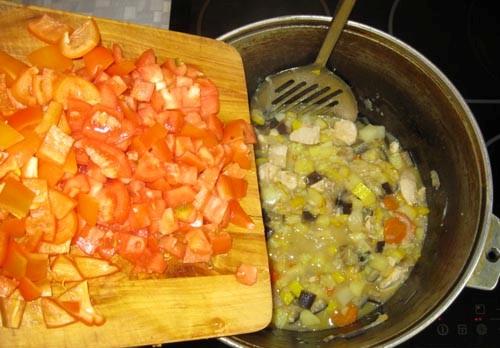 Рагу с мясом и кабачками - фото шаг 8
