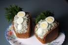 Салат в буханке хлеба