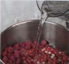 Мармелад из малины и красной смородины. - фото шаг 1
