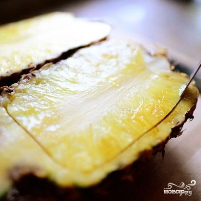 Ананасовые лодочки с фруктами - фото шаг 2