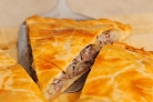 Слоеный пирог с мясом и картошкой
