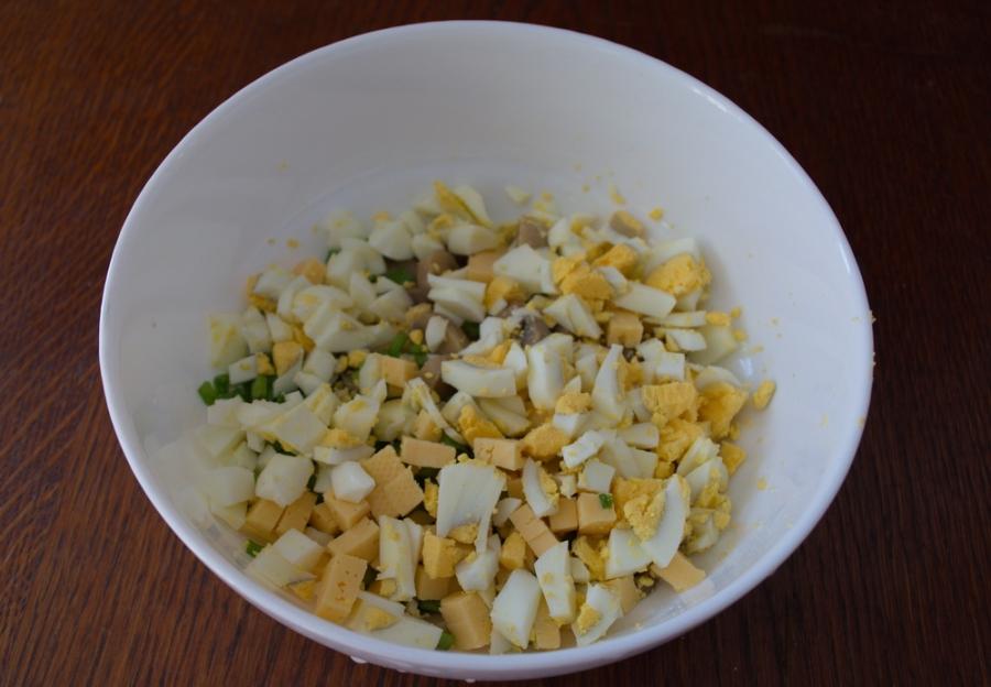 Салат с шампиньонами и сыром - фото шаг 4